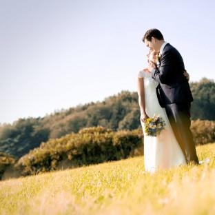 Hochzeitsfoto in der Sonne