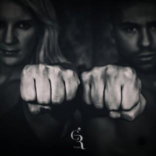 Boxerfoto - zwei Fäuste, Alicia Melina Kummer und Nico Venetis
