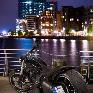 Harley Davidson Softail Breakout Umbau - Fotoshooting Hamburg