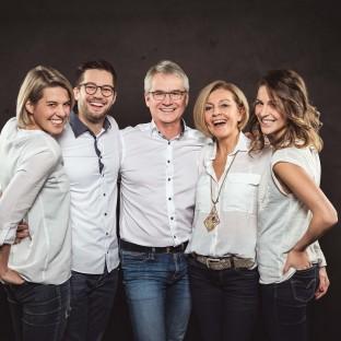 Familienfoto im Fotostudio