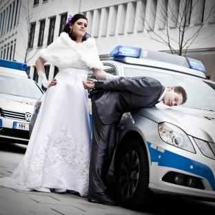Hochzeitsfoto / Hamburg-Wandsbek Polizeirevier