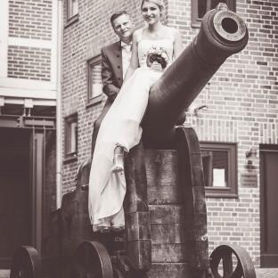 Hochzeitsfoto auf Kanone in Winsen/Luhe