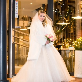 Braut in Fussgängerzone