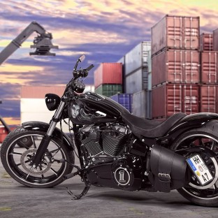 "Harley Davidson Softail Breakout Custom ""Charley"""