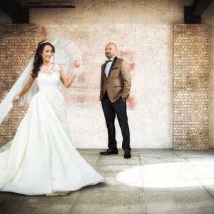 Hochzeitsfoto in altem Gemäuer