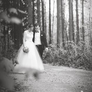 Brautpaar im Wald bei Hamburg