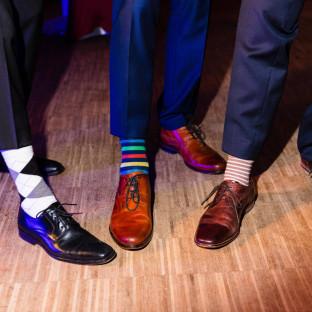 Bunte Socken bei Hochzeit