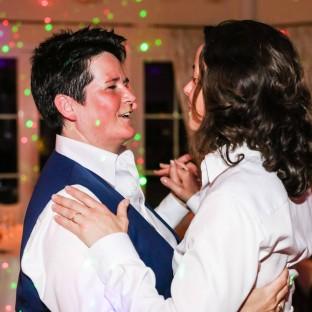 Küssen bei Hochzeit