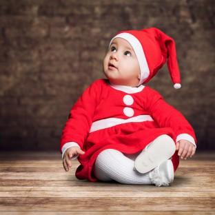 Baby mit Weihnachtsmütze, Babyfotografie
