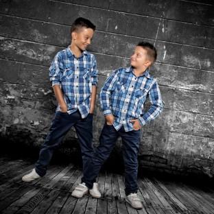 Kinderfoto zwei Jungs / Aufnahmeort: Fotostudio