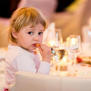Kind bei Hochzeit