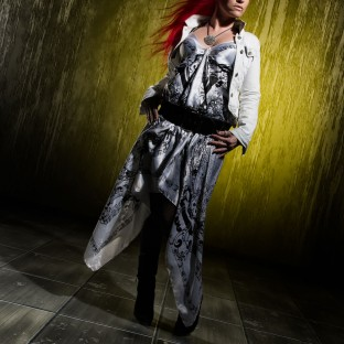 Aufwändiges Studio-Fashionfoto