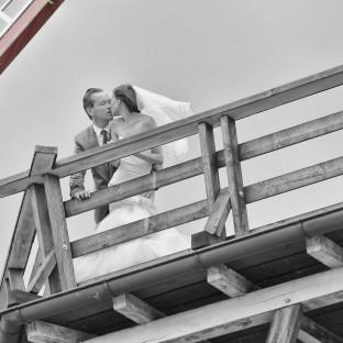 Schwarz-Weiß-Hochzeitsfoto