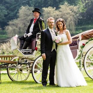 Hochzeitsreportage mit Pferdekutsche