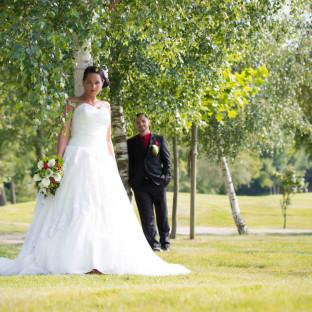 Hochzeitsfoto am Baum in Hamburg