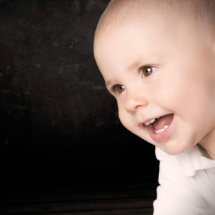 Süßes Babyfoto vom Fotografen