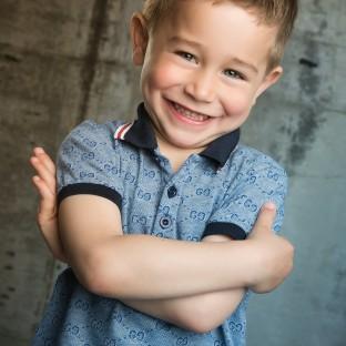 Tolles Kinderfoto Pinneberg / Junge im Fotostudio