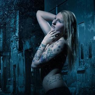 Erotische Fotomontage mit Hamburger Model / Aktfoto von Chris Reiner