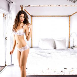 Shooting mit Model im Strandhaus