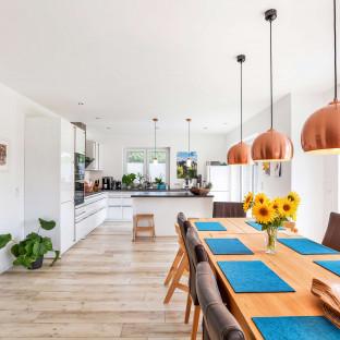 Innenaufnahme von Neubauhaus - Immobilienfoto