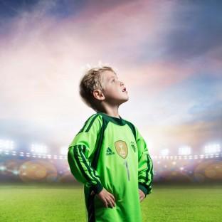 Junge im Fussballstadion - Fussballshooting