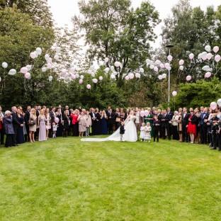 Ballons steigen lassen auf Hochzeit
