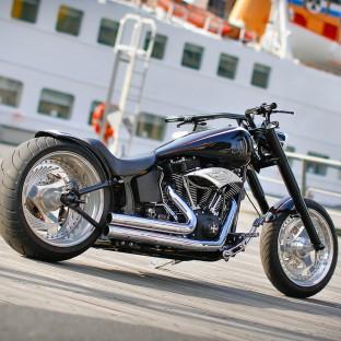 Hamburg Harley-Davidson Chopper in der Hafencity