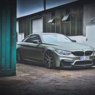 BMW M G-Power in Tarnfarben von Chris Reiner / Car Wrapping Folie: Avery Midnight Sand Matte Metallic mit Camo-Dots