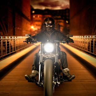 Bikerfoto mit Harley Davidson Softail Breakout