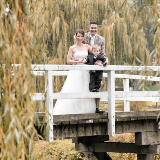 Brautpaar auf der Hochzeitsinsel Uetersen
