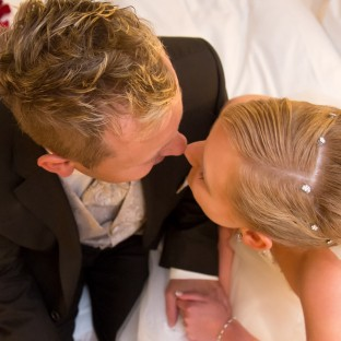 Hochzeitsfoto in der Suite vom Romantik Hotel Waldhaus Reinbek