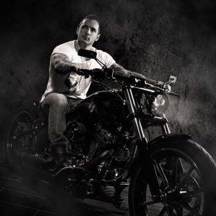 Fotoshooting in Hamburg mit Harley Davidson Softail Breakout