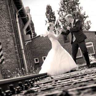 Ehepaar am kämpfen für den Fotografen