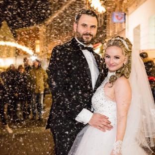 Hochzeitsfoto im Schnee