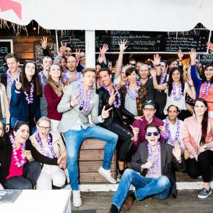 Gruppenfoto auf Firmenveranstaltung