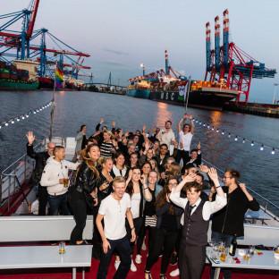 Firmenveranstaltung auf Boot auf der Elbe